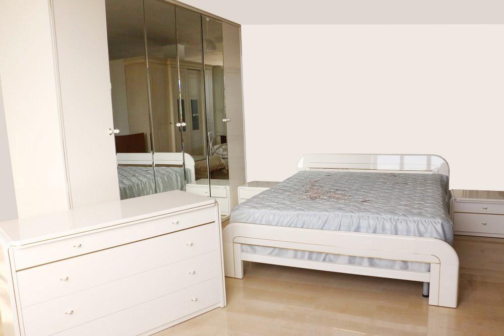 Camera Da Letto Bianco Lucido : Camera da letto in stile retrò bianco lucido oro paternoster home