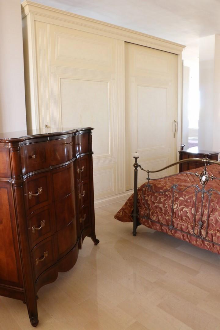 Armadio Classico Camera Da Letto.Camera Da Letto In Stile Classico Noce Scuro Panna Paternoster Home