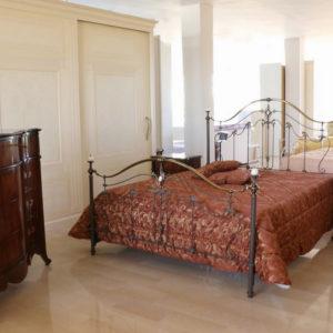 Camera Da Letto In Stile Classico Noce Scuro Panna Paternoster Home