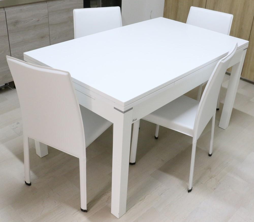 Tavolo Allungabile Laccato Bianco.Tavolo Allungabile In Legno Laccato Bianco A Poro Aperto