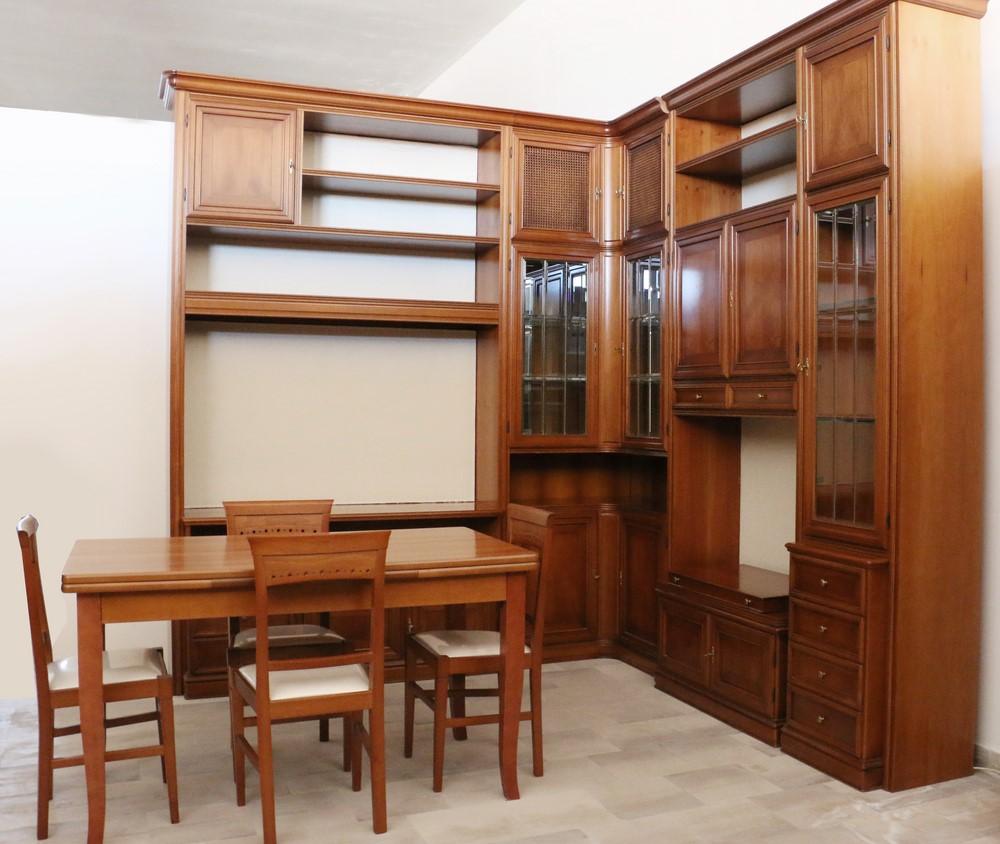 Parete soggiorno in stile classico NOCE CON INTARSI - Paternoster Home