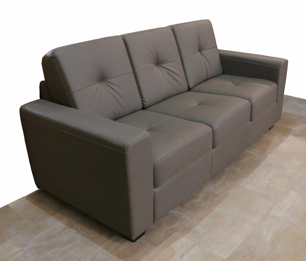 Divano 3 posti stile moderno in ecopelle paternoster home for Divano 9 posti