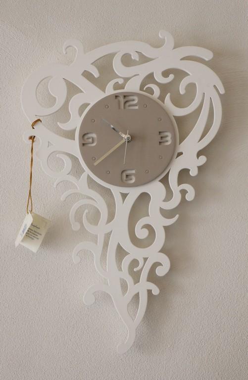 Orologio da parete moderno con intagli BIANCO-TORTORA