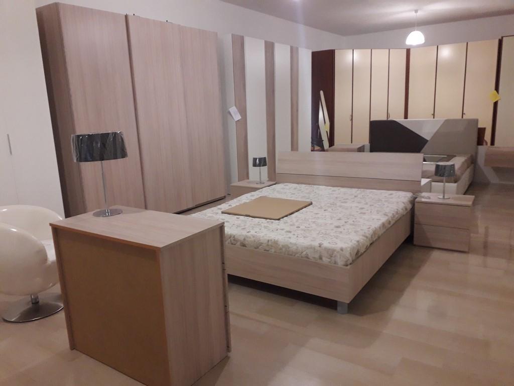 Camera Da Letto Grigia camera da letto in stile moderno olmo o grigio cemento